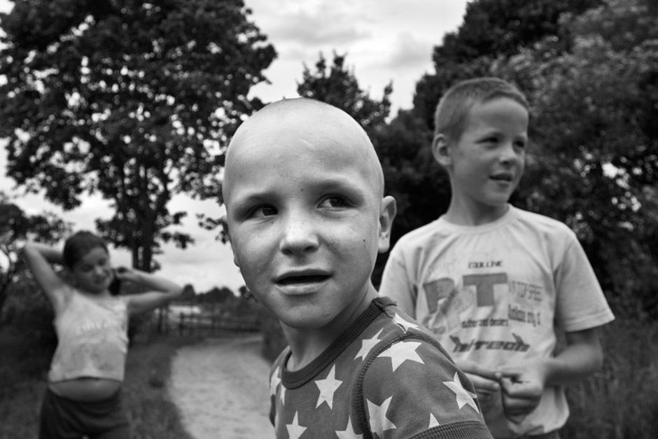 Kaimo vaikai - judrūs ir draugiški. © Tadas Kazakevičius © Darius Chmieliauskas