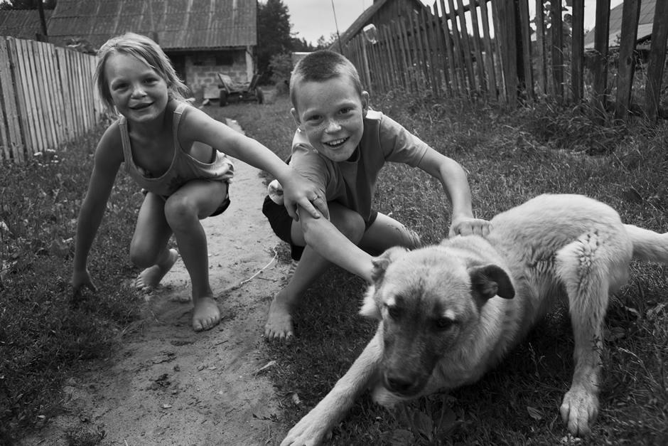 Brolis ir sesė. © Tadas Kazakevičius © Darius Chmieliauskas