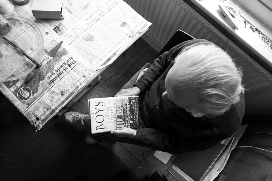 Perverčiant knygą apie 760 lemtingųjų berniukų likimus. © Tadas Kazakevičius