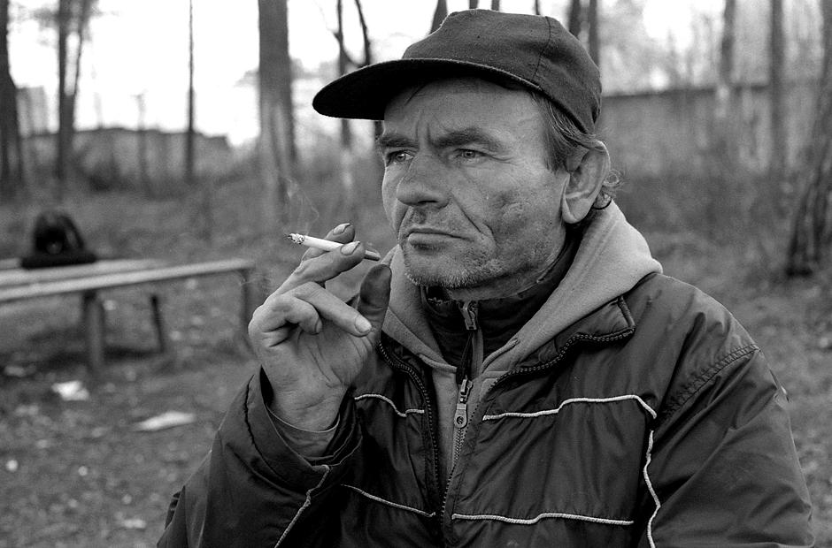 Susirūpinęs dėl darbo, kurio negali gauti dėl savo neįgalumo. © Darius Chmieliauskas