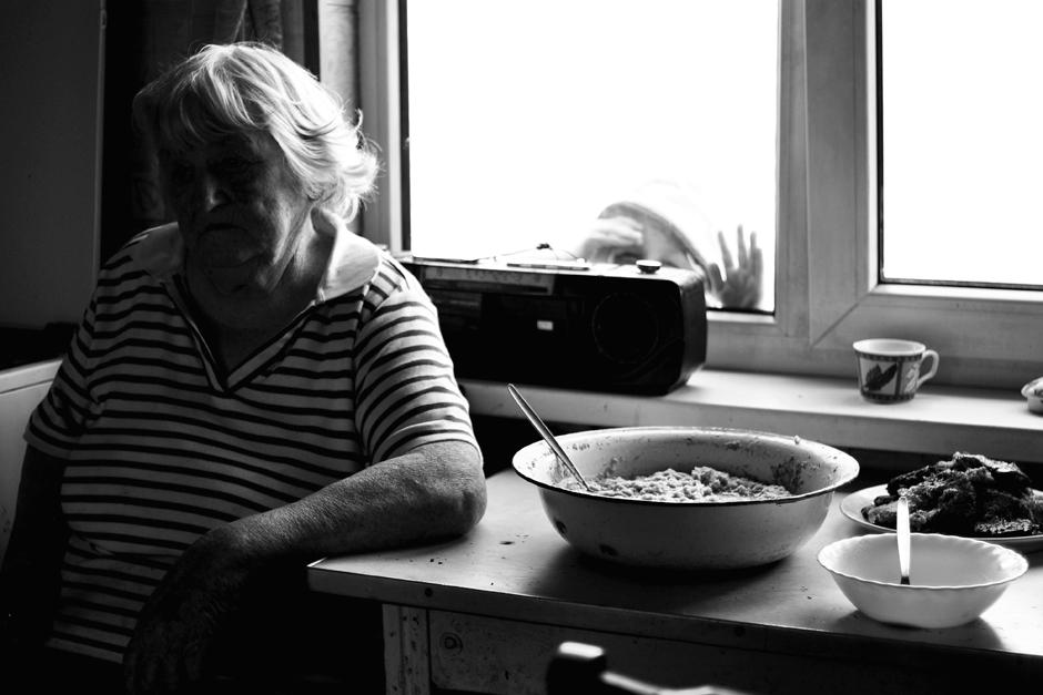 Senelė, kaip ir mama yra puiki ir mylinti, tačiau kantrybės kartais prireikia visiems. © Ieva Budzeikaitė