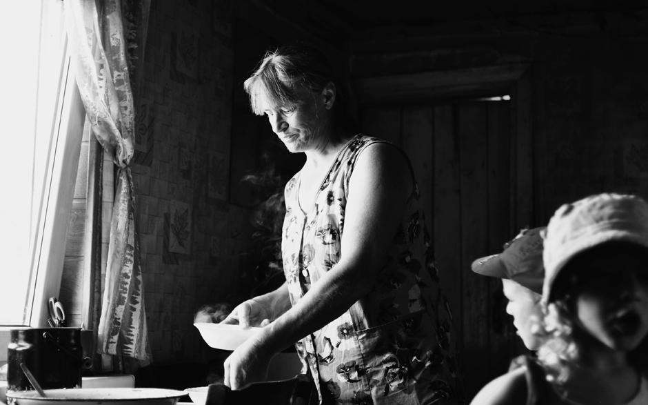 Vaikai labai aktyvūs. Pasodinti juos prie pietų stalo yra tikrai sudėtinga užduotis. © Ieva Budzeikaitė