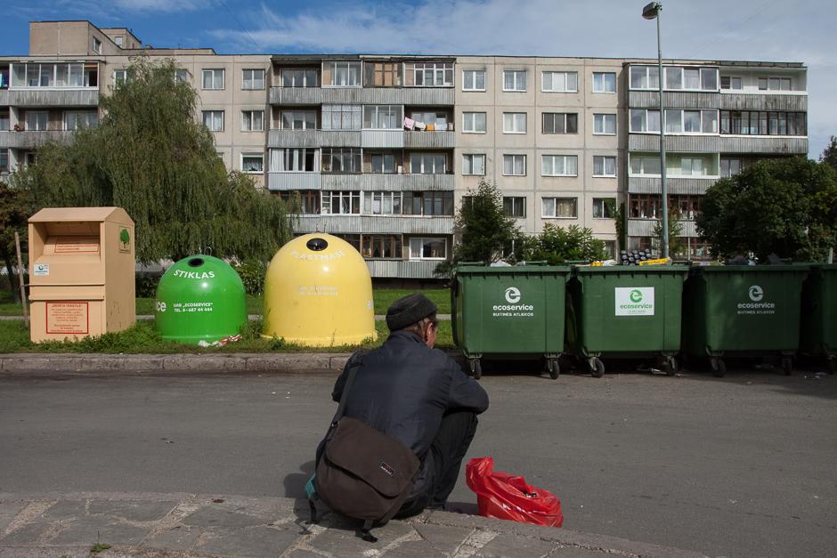 Tai kas mums yra atliekos benamiams tampa pragyvenimo šaltiniu. © Darius Chmieliauskas