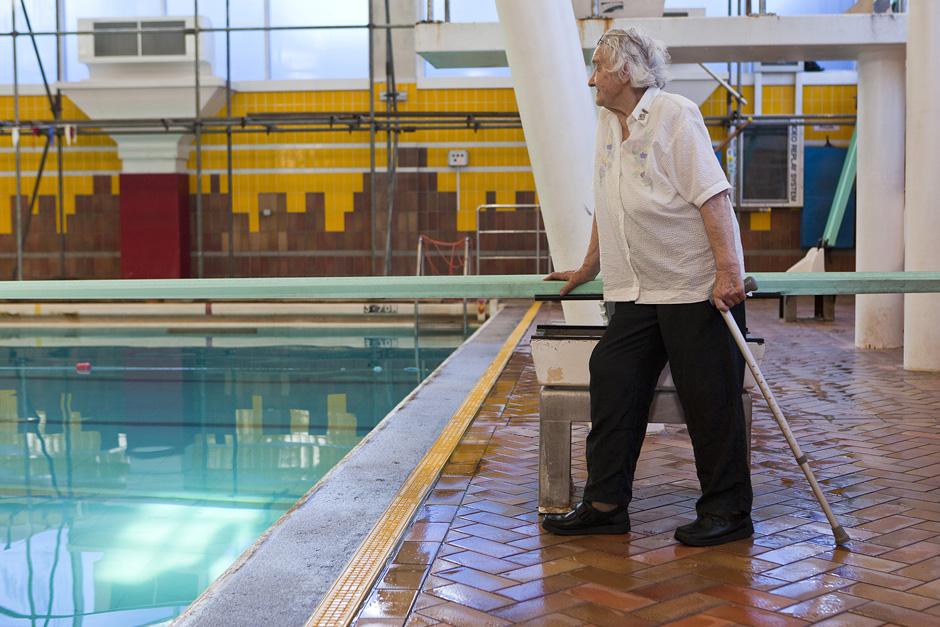 Su Olimpine plaukimo atlete apsilankius baseine ji neretai sustodavo ir tiesiog žvelgdavo į tolį. Kiekviena detalė primena nuotaikingas atletės akimirkas. © Tadas Kazakevičius