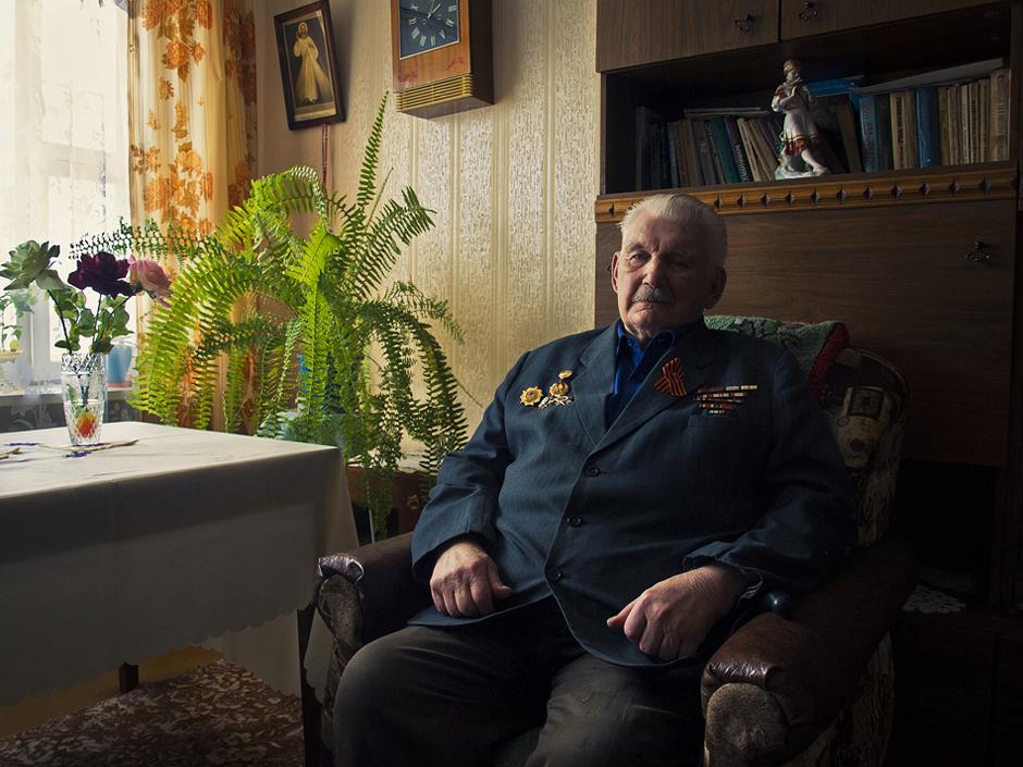 """Nikolaj Berioza. Gimė 1926 m.. Gyvena Smorgonyse, Baltarusijoje. ,,Kaip aš pirmą sykį ėjau į mūšį su vokiečiais."""" © Romualdas Vinča"""