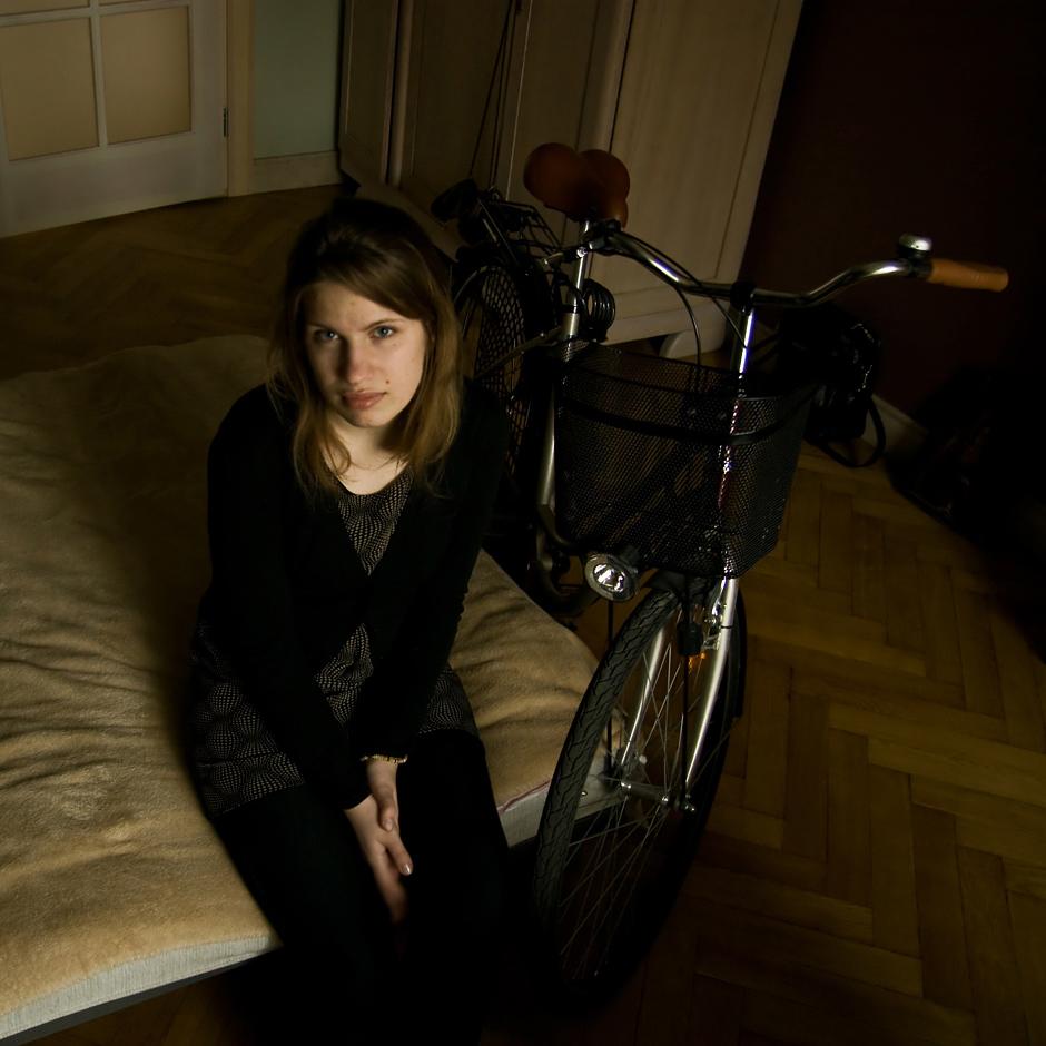 ...tą dviratį prieš porą metų pirkau, bet taip ir  neišsitraukiau iš sandėliuko. Aišku, pirkau su ta  mintim, kad greit išmoksiu juo važinėt, o va jau  dveji metai praėjo... © Justė Šuminaitė