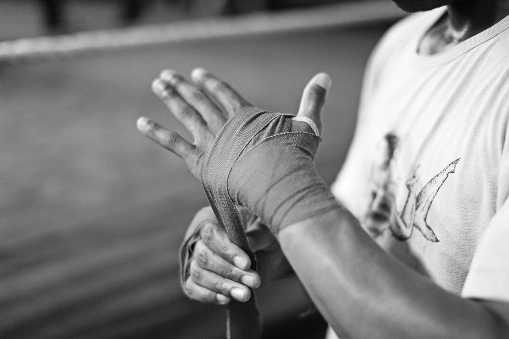 Elastiniai raiščiai - svarbūs rankų apsaugai. © Tadas Kazakevičius